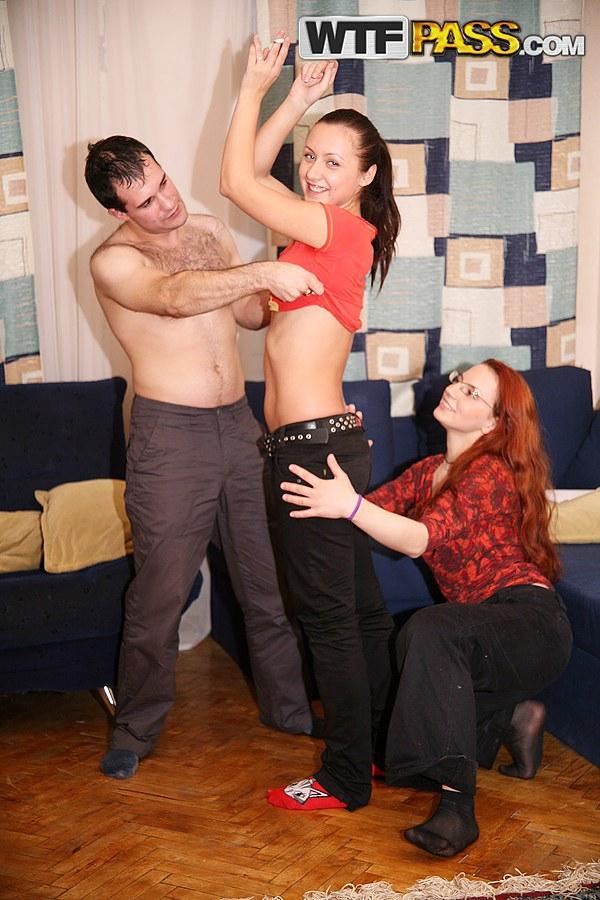 porno-pyanih-studentov-na-plyazhe