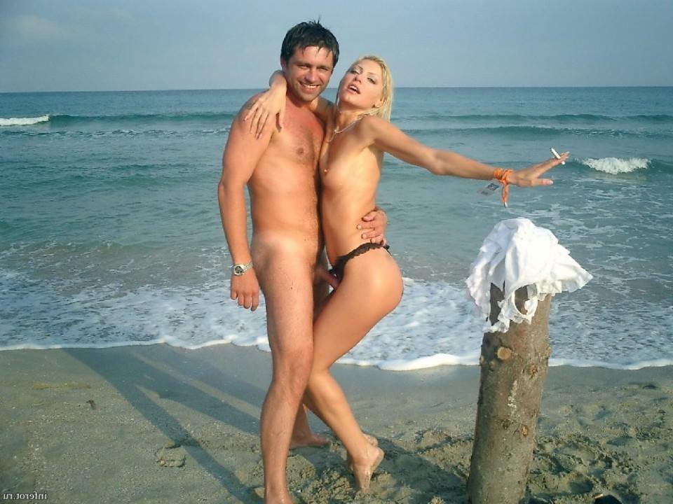 Эротика молодых с старыми, девушки выступают голые