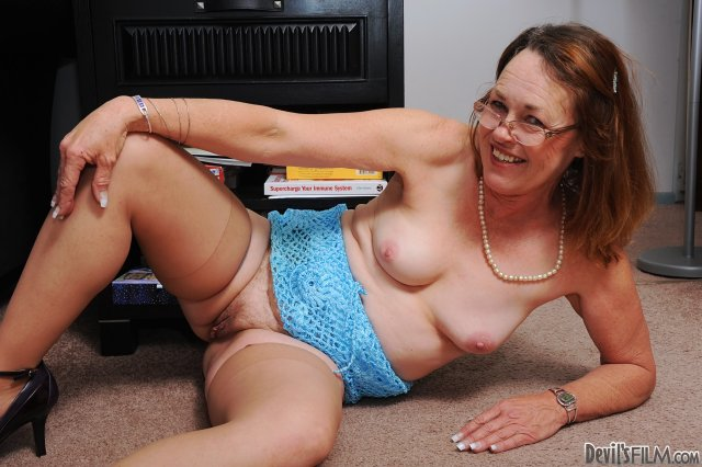 Porno старушки отжигают