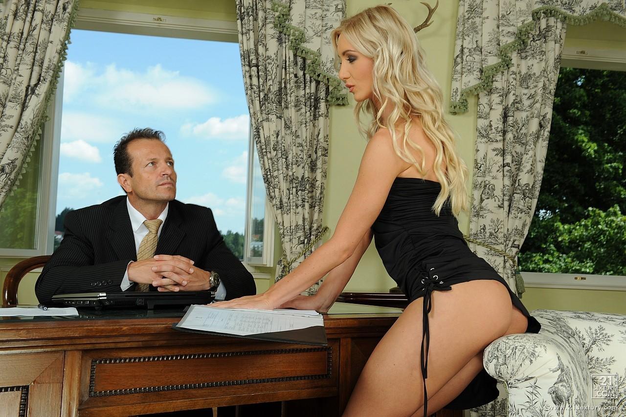 Порно видео секретарша с босом