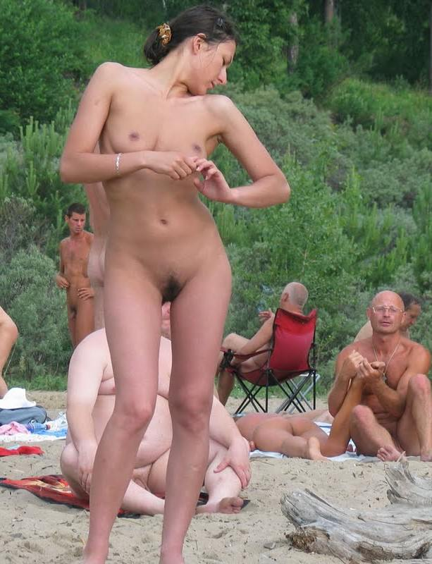 Порно нудисты скрытая камера мама и дочь