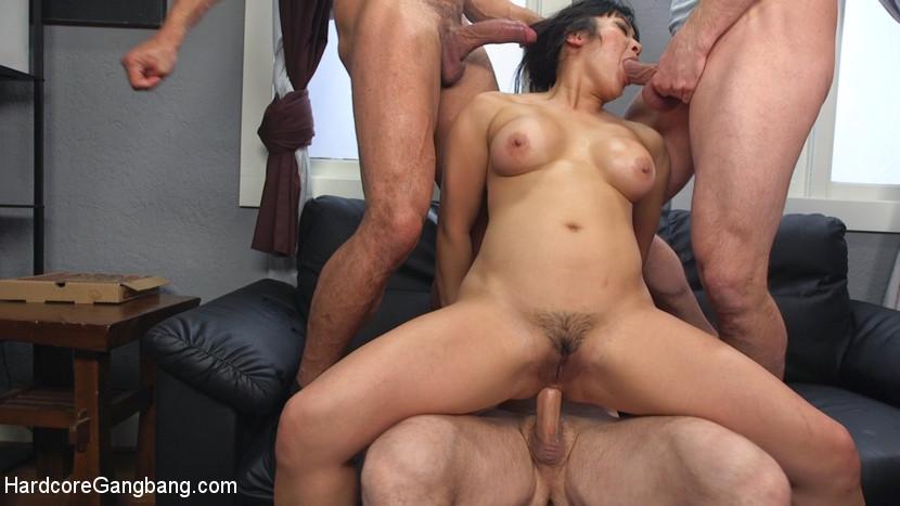 Порно китаянка связанная, фото подсмотры в душе