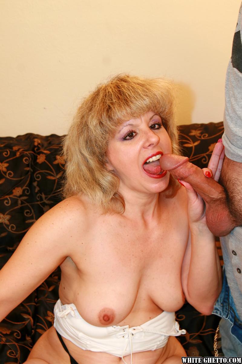 Фото порно зрелые женщины в нейлоне, юуний пизду болна