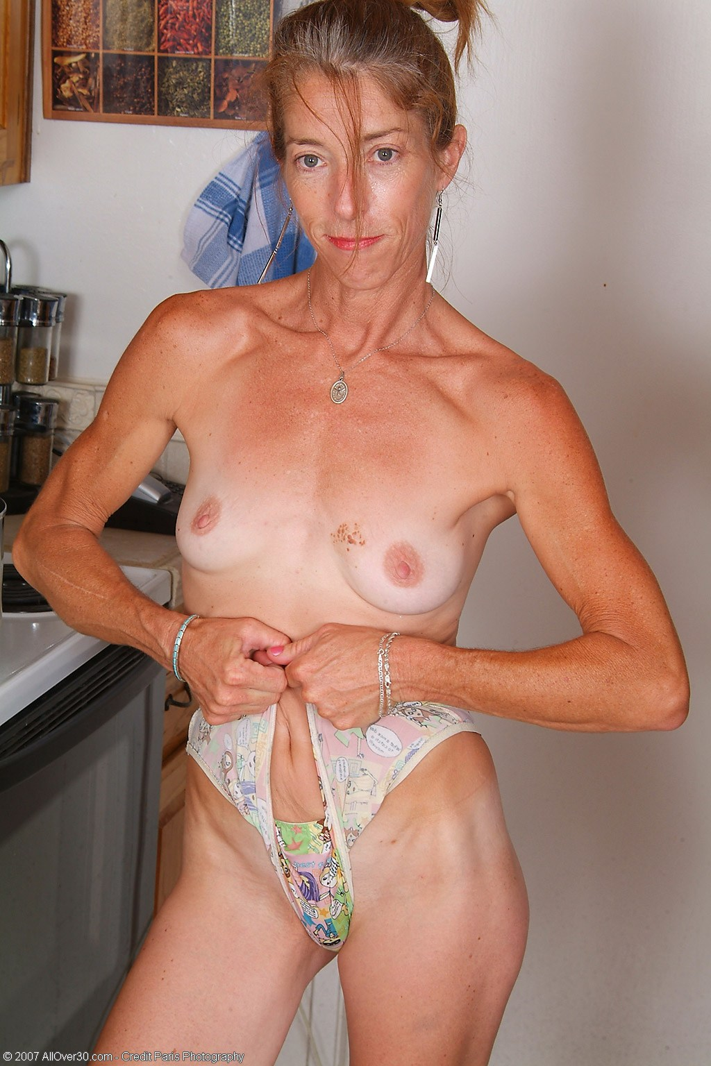 Фото старухи худые голые