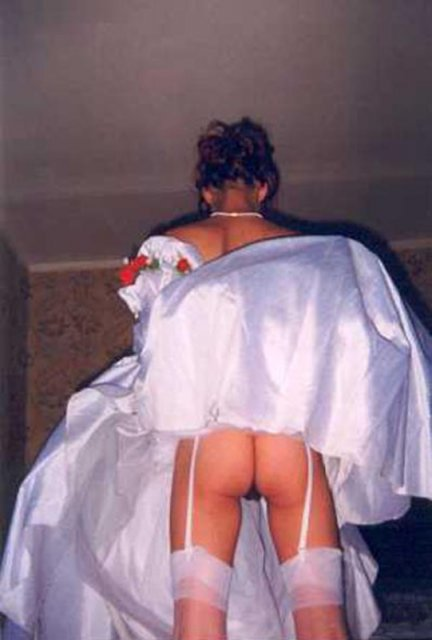 Невесты раком в стрингах, оксанку трахают в жопу видео смотреть